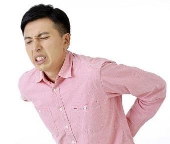腰痛の原因を見極める必要があります
